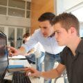 Программисты перед компьютером