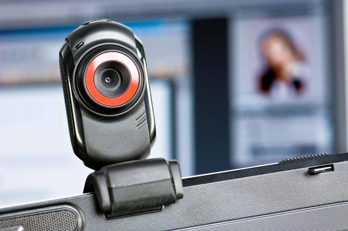 Видеокамера на мониторе