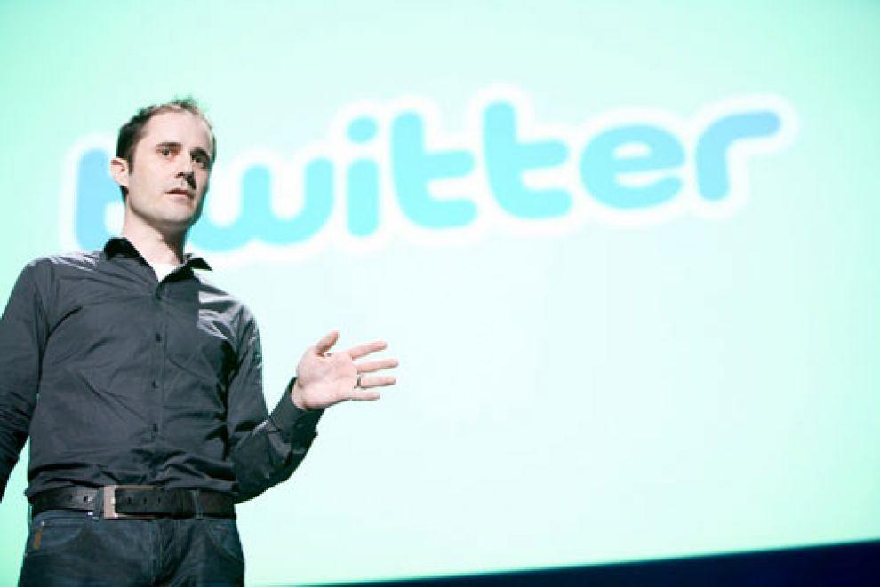 Иллюстрация на тему Кто создал Твиттер: история появления и успеха социальной сети