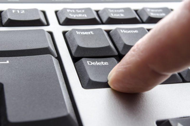 Иллюстрация на тему Как можно удалять записи в Твиттере: ТОП-3 лучших способов