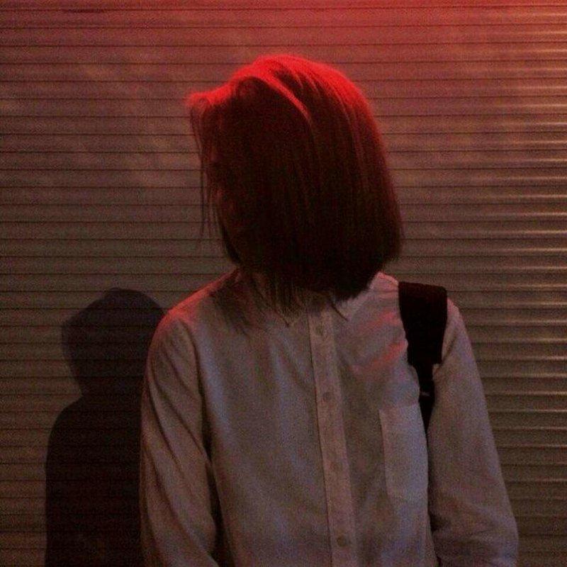 Краствые новые фото без лица на аву в ВК для девушек брюнеток | 800x800